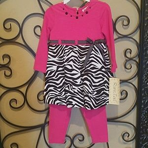 Girls Adorable Rare Editions zebra print outfit.